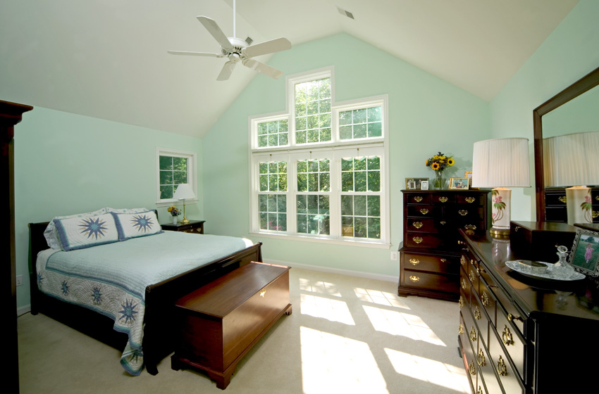 Extrememakeover after masterbedroom remodeling company for Extreme home makeover designers